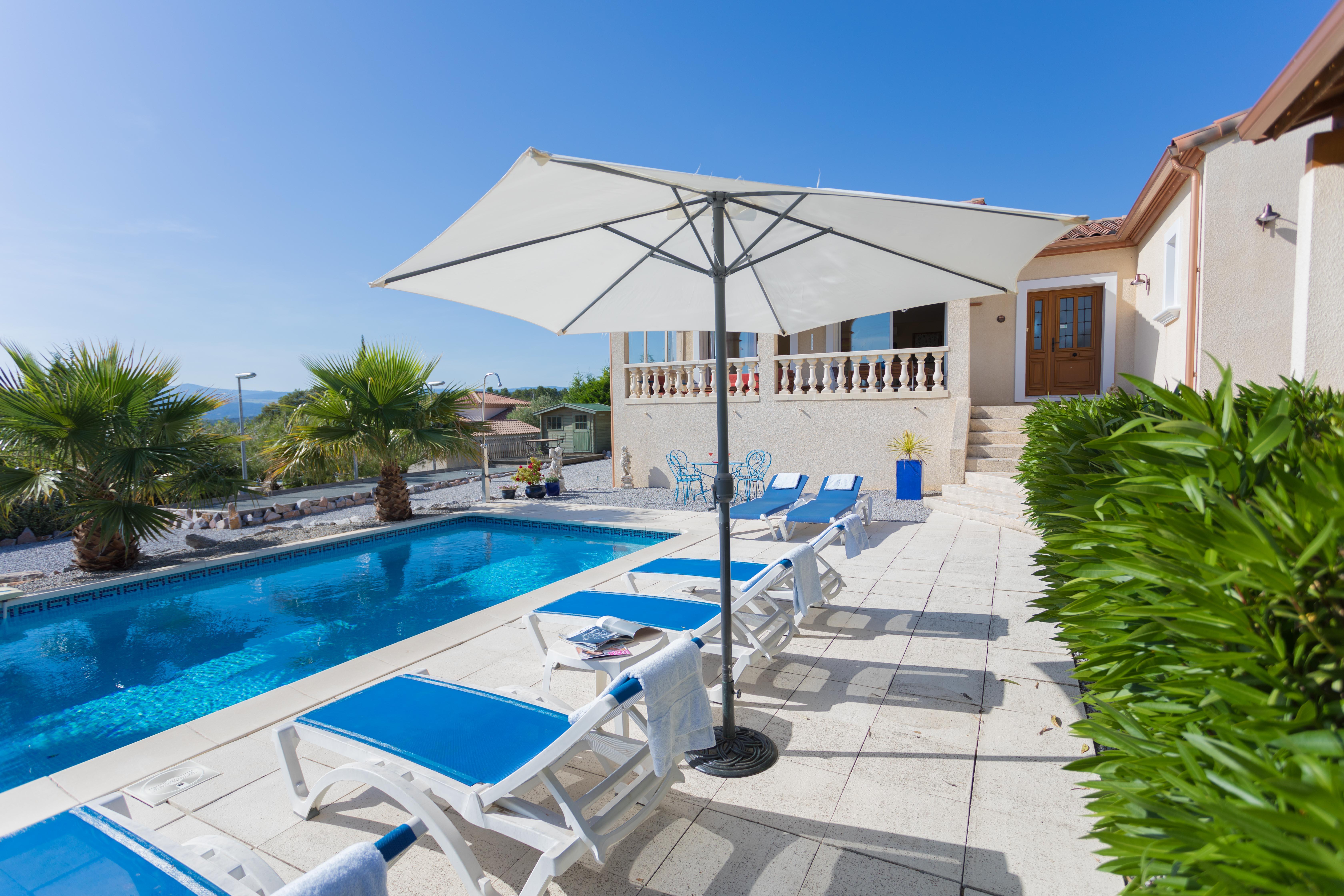 Vijf x huizen met een verwarmbaar priv zwembad nieuws for Zwembad prive