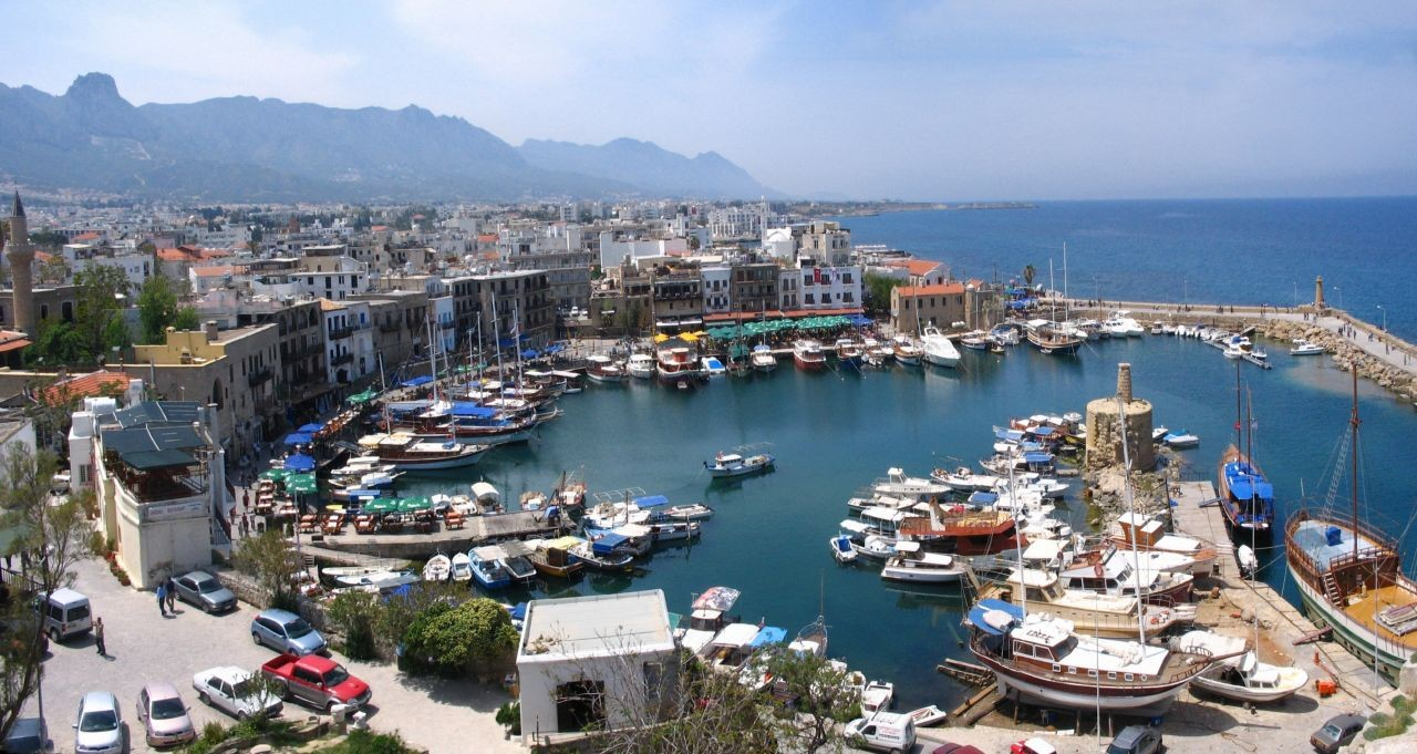 De haven van Kyrenia